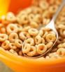 6. Сухие завтраки.<br /> Не все сухие завтраки содержат витамин D, поэтому внимательно смотрите на упаковку. Обычно они содержат около 40 единиц на порцию.