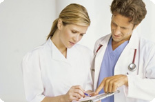 Врач. Медик. Доктор. Доктор и медсестра. Оформление больничного.